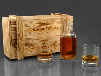 Whiskyglas + Flasche + Holzkiste