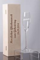Sektglas mit Gravur als Hochzeitsgeschenk