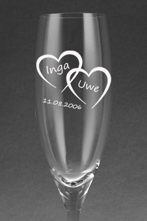 Sektglas [CHEERS] mit Herzen graviert