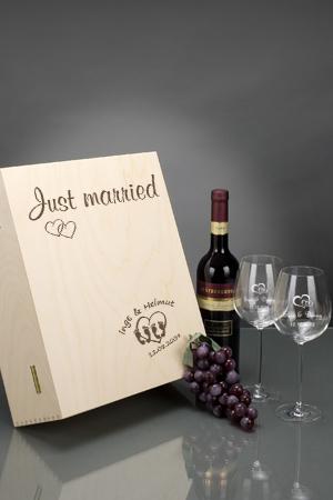 Gravierte Weingläser als Geschenk